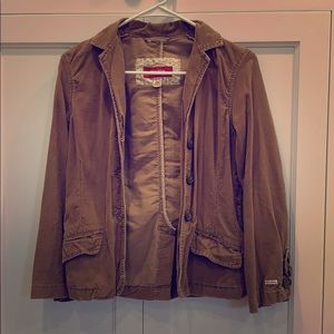 Brown corduroy jacket with 3/4 length sleeves